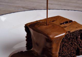 Chocolate Sauce with Chocolate Sponge Mix