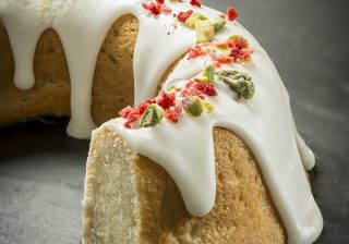 Vegan muffin & cake mix bundt