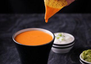 Dipping nacho cheese sauce