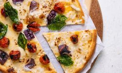 Roasted tomato, red onion and basil blondie pizza (